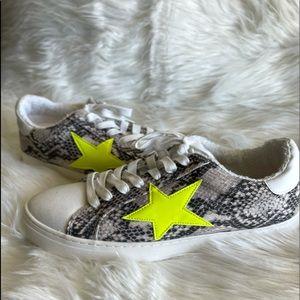 Snakeskin Star sneakers